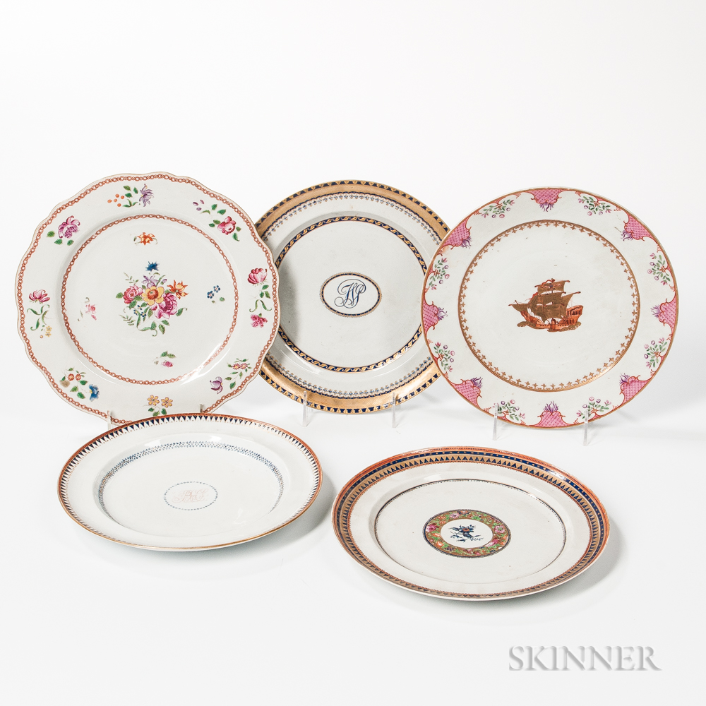 Five Export Porcelain Dinner Plates