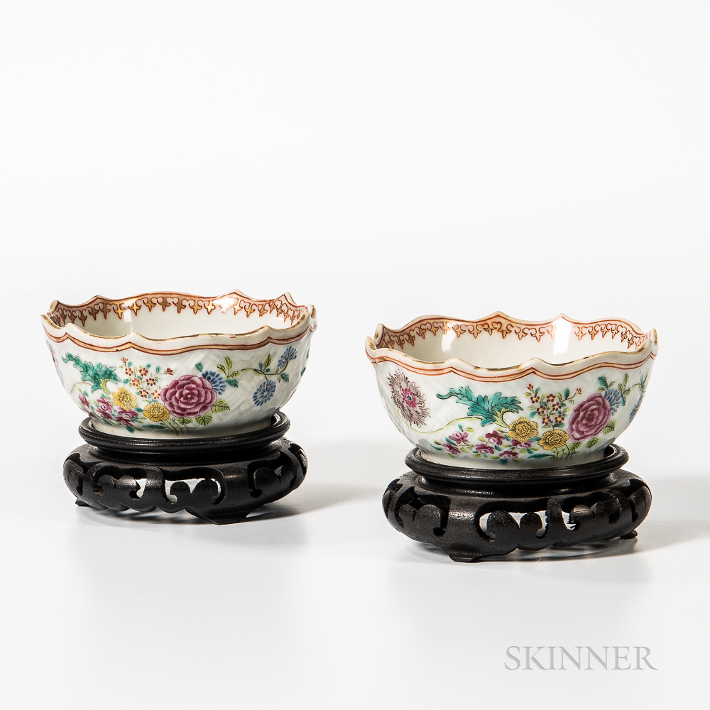 Pair of Small Export Porcelain Bowls