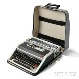 Ettore Sottsass Designed Olivetti Lettera 33 Typewriter with Case