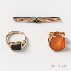 Two 14kt Gold Rings and a 10kt Gold Gem-set Bar Brooch