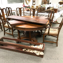 Classical-style Mahogany Veneer Extension Dining Table and a Set of Eight Queen Anne-style Mahogany Dining Chairs