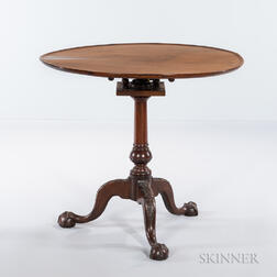 Chippendale Carved Mahogany Tilt-top Tea Table