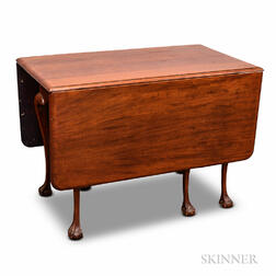 Chippendale-style Mahogany Drop-leaf Table