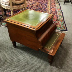 Late Classical Mahogany Veneer Leather-top Commode