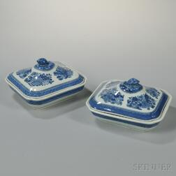Pair of Blue Fitzhugh Porcelain Covered Vegetable Dishes