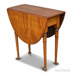 Queen Anne-style Tiger Maple Drop-leaf Table