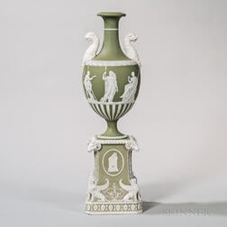 Wedgwood Green Jasper Dip Vase on Pedestal Base