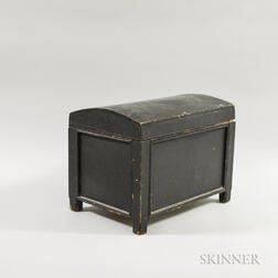 Small Black-painted Pine Dome-top Box