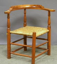 William & Mary Maple and Birch Roundabout Chair