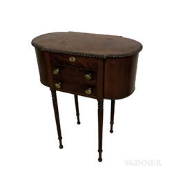 Federal-style Mahogany Veneer Two-drawer Sewing Stand
