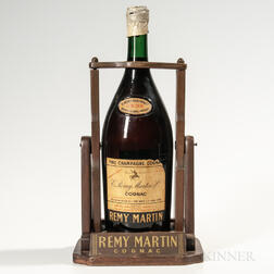 Remy Martin Display Bottle with Pour-Cradle