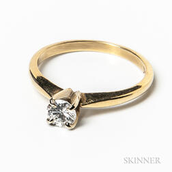 14kt Gold and Diamond Solitaire Ring