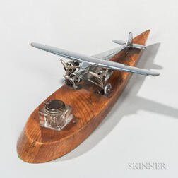 Tri-propeller Airplane Model with Inkwell