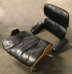 Charles and Ray Eames 670 Lounge Chair