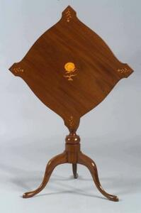 Federal Mahogany Inlaid Tilt-top Table