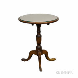 Chippendale Mahogany Tilt-top Candlestand