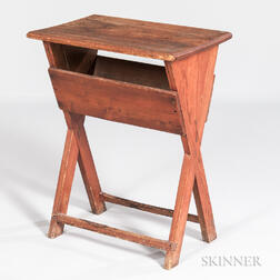 Small Sawbuck Table