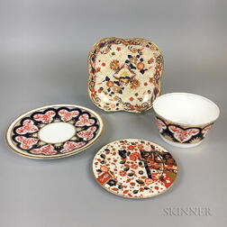Four Imari-palette Ceramic Items