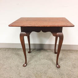 Bench-made Queen Anne-style Maple and Pine Tavern Table