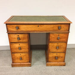 Small Georgian Mahogany Pedestal Desk