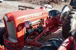 1959 Ford 651 Workmaster Tractor