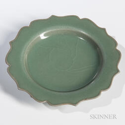 Eight-barbed Celadon Dish