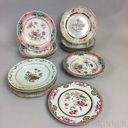 Sixteen Chinese Export Porcelain Dinner Plates and Soups
