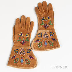 Pair of Plains Beaded Hide Gauntlets