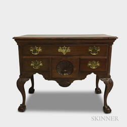Chippendale-style Shell-carved Walnut Dressing Chest