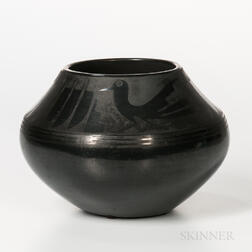 San Ildefonso Black-on-black Pottery Jar