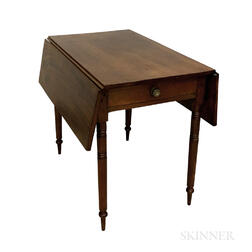 Federal Turned Mahogany Drop-leaf Table