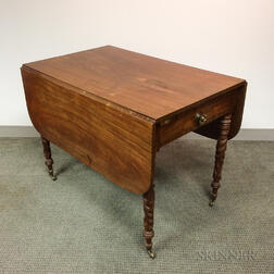 Late Federal Carved Mahogany One-drawer Drop-leaf Table