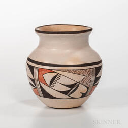 Contemporary Hopi Polychrome Pot