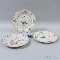 Chinese Export Miniature Vase and Three Plates