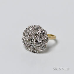 18kt Gold and Diamond Cluster Ring