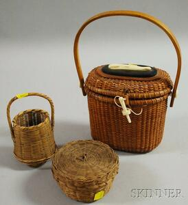 Oval Nantucket Woven Split Cane Lidded Purse and Two Small Woven Baskets with   Covers