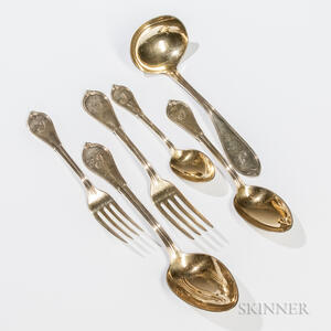 """Ninety-two Pieces of Gorham """"Cottage"""" Pattern Sterling Silver-gilt Flatware"""