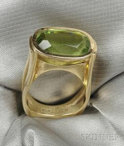 18kt Gold and Peridot Ring