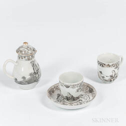 Four Export Porcelain en Grisaille Decorated Table Items