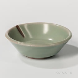 Small Celadon-glazed Dish