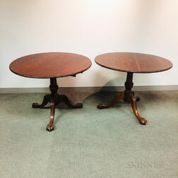Pair of Chippendale-style Carved Mahogany Tilt-top Tea Tables