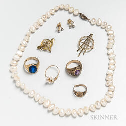 Group of 10kt and 14kt Gold Jewelry