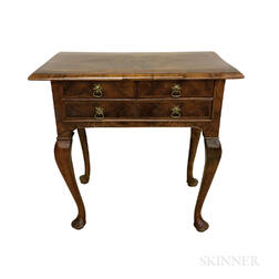 George II-style Burl Walnut Veneer Dressing Chest