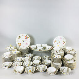 Approximately 142-piece Herend Market Garden-pattern Porcelain Service for Twelve.