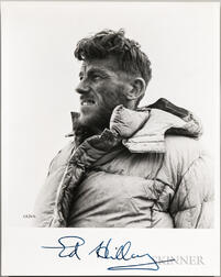 Hillary, Sir Edmund Percival (1919-2008) Signed Photo.