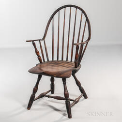 Black-painted Continuous-arm Bow-back Windsor Chair
