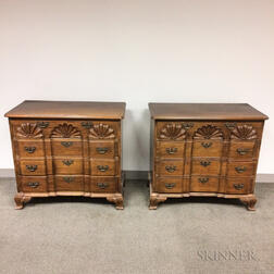 Pair of Chippendale-style Bench-made Mahogany Shell-carved Block-front Bureaus