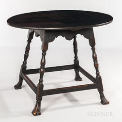 Queen Anne-style Portsmouth-type Oval-top Tea Table