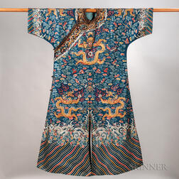 Embroidered Semiformal Robe