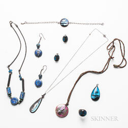 Group of Glass Jewelry